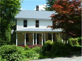 71 E Shore Rd, Greenwood Lake, NY