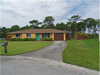 1498 SE Buckingham Ter, Port St. Lucie, FL