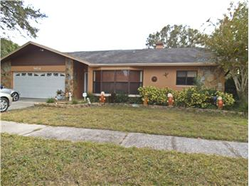 9454 Laura Anne Dr, Seminole, FL