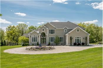 54 Pin Oak Drive, New Windsor, NY