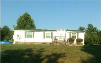 304 Plain Ridge Dr, Evington, VA