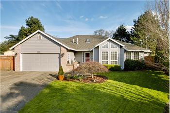 698 NE Alexis Court, Hillsboro, OR