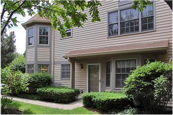 3129 North Daniels Court, Arlington Heights, IL
