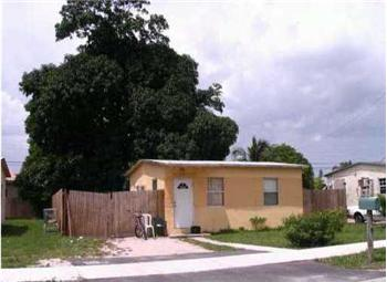 2507 NW 4th Ct, Pompano Beach, FL
