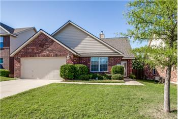 8808 Holliday Lane, Aubrey, TX