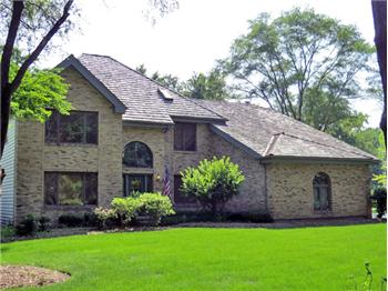 7N062 Brewster Creek Cir, Wayne, IL