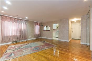 105-30 66 Ave. 4F, Forrest Hills, NY