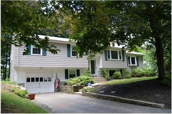 29 West Street, Medfield, MA