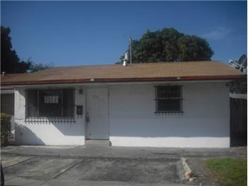 2051 NW 27th Ln, Fort Lauderdale, FL
