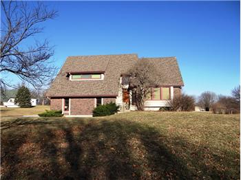 12915 Meadow Lark Road, Lee s Summit, MO