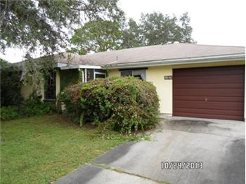 5640 Kenwood Dr, North Port, FL