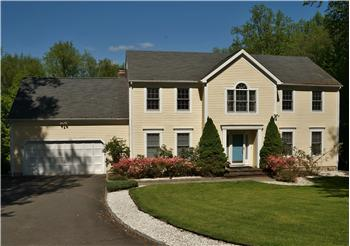 14 Lyndenwood Drive, Brookfield, CT
