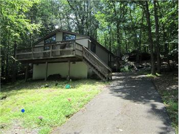 122 Liberty Lane, Lackawaxen, PA
