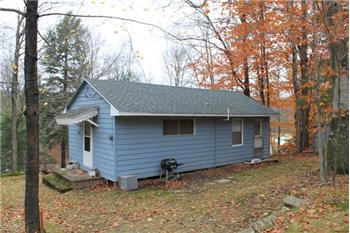 134 Riverside Dr, Greentown, PA