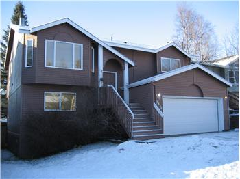 8830 Plunge Creek Cir, Eagle River, AK