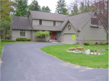 3585 NE Lone Lookout Road, Traverse City, MI